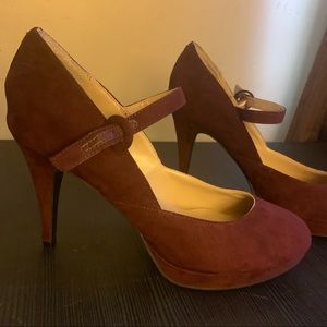 Unisa Burgandy Mary Jane Pumps size 8.5